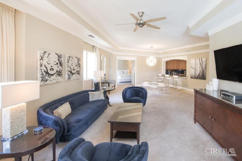 Ritz-carlton residence 304