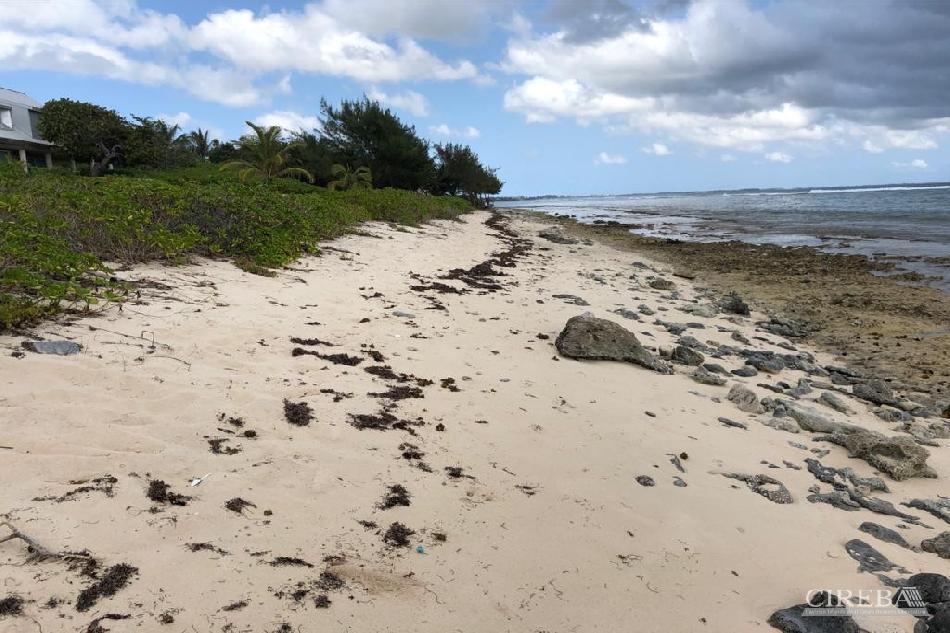 Beachfront manse road bodden town