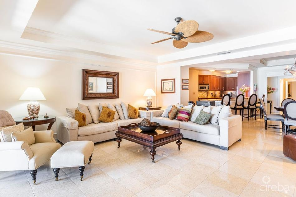 Ritz-carlton private residence 208