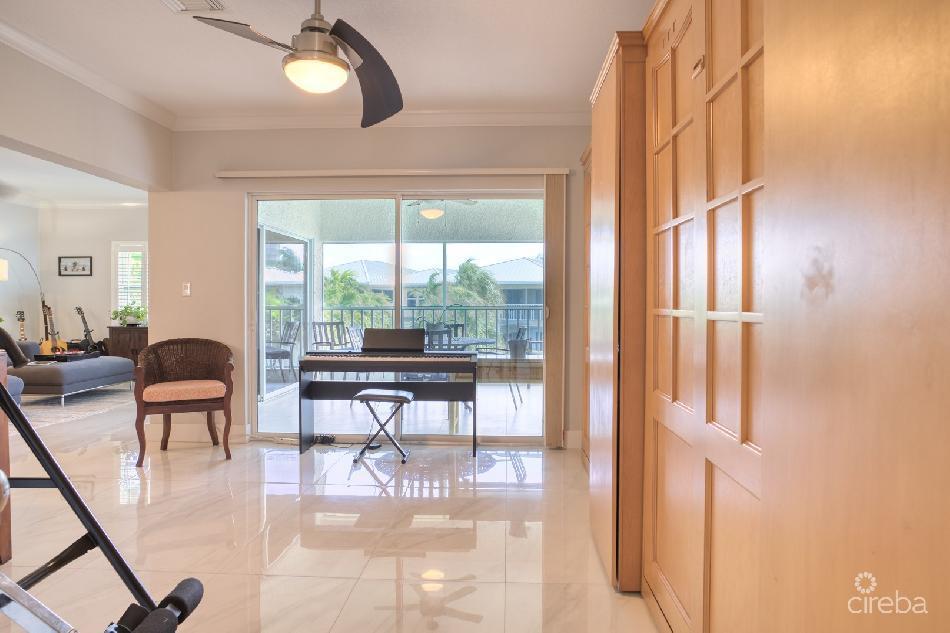 Tamarind bay  – rare penthouse & deck