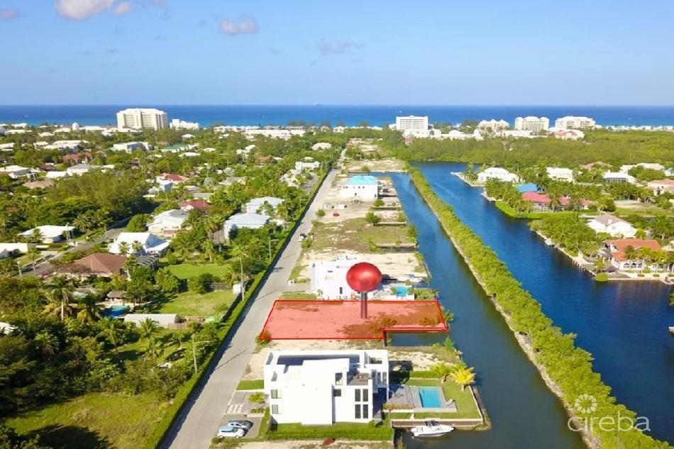 Clipper bay canal front lot with boat dock