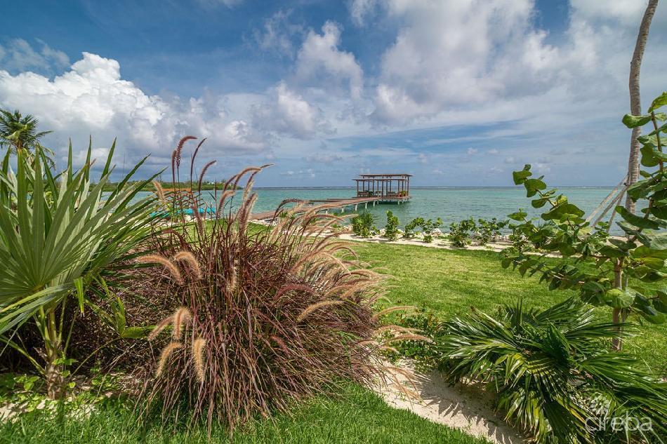Oceanfront condo at indigo bay