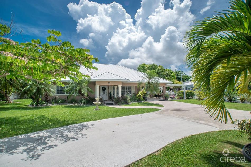 Red bay family home on oversized lot