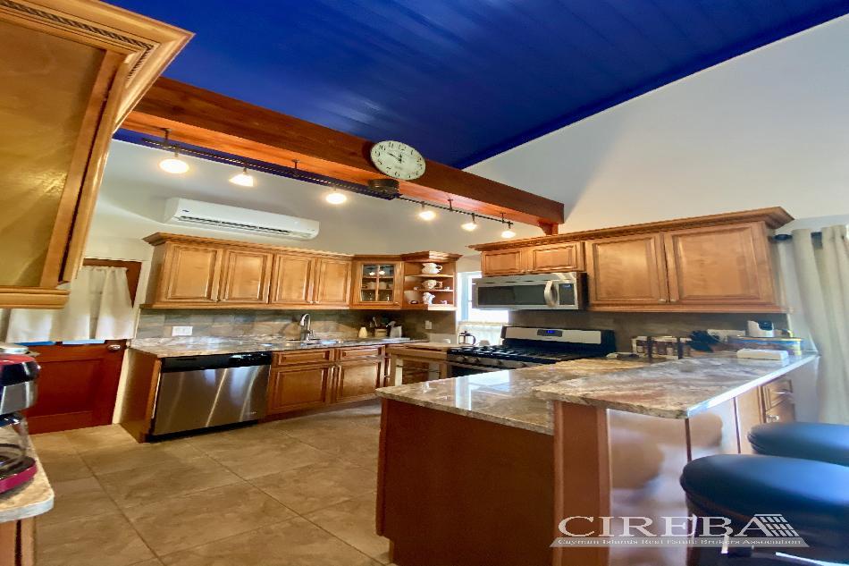 Cayman brac cottage on over 7 acres of land