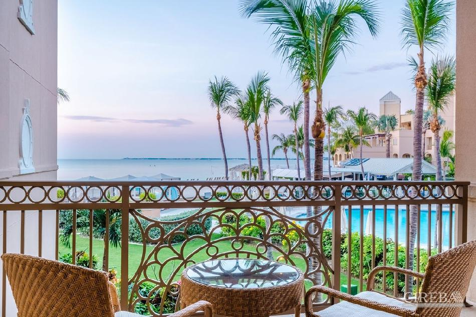 The ritz-carlton private residence #206