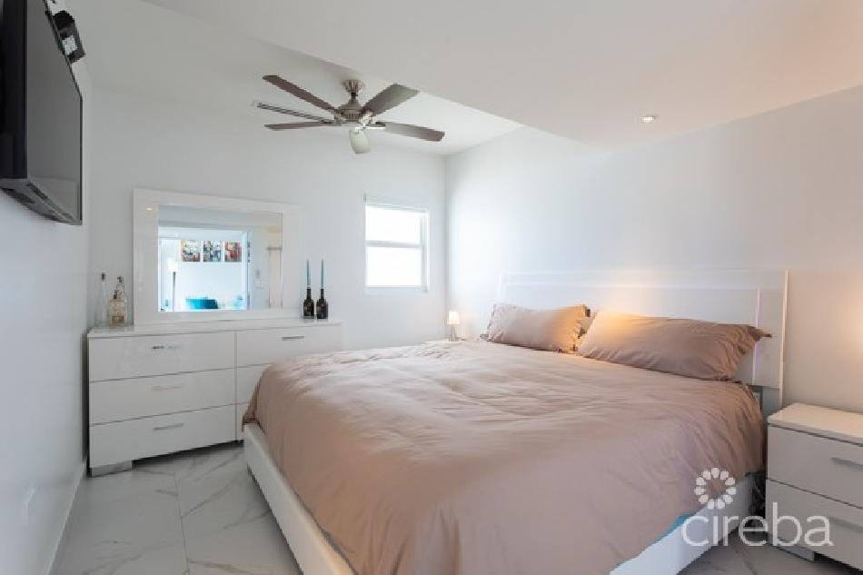 Cayman reef resort double beachfront units