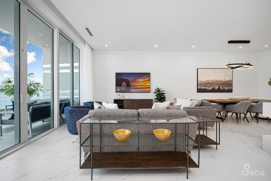 Fin – lux 3.5 bed w/direct beach access